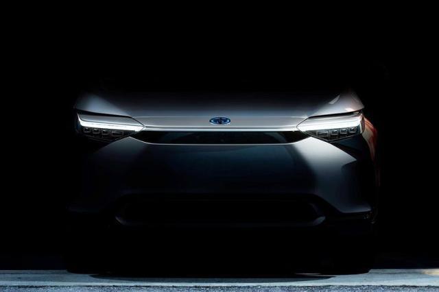 Toyota laat elektrische SUV zien