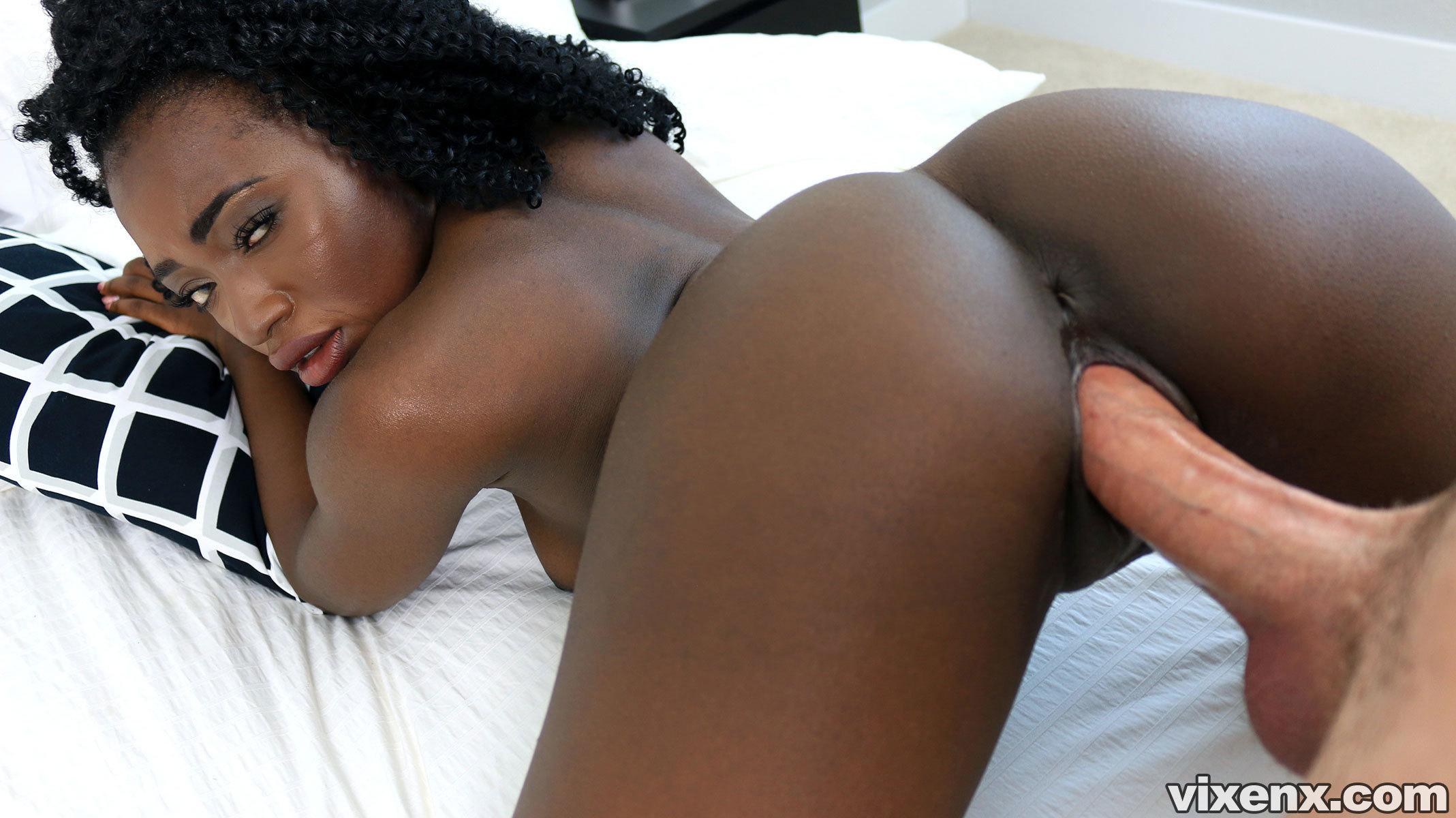 Noemi Bilas  Property Sex