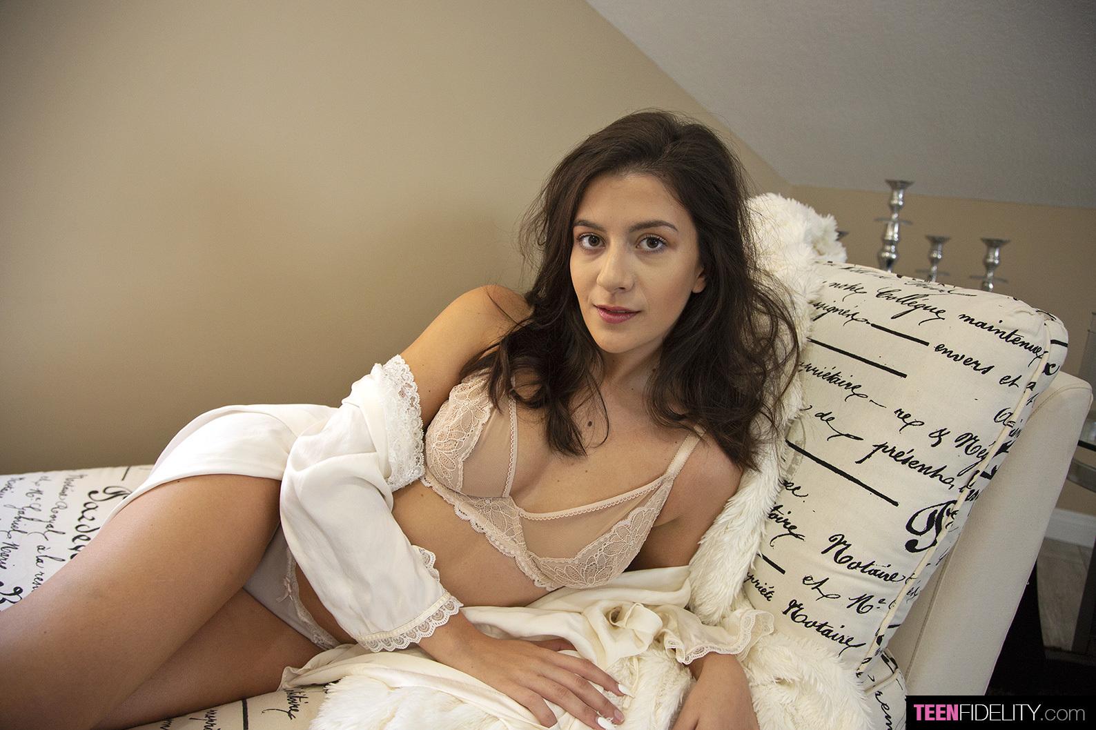 Natalie Brooks  Teenfidelity