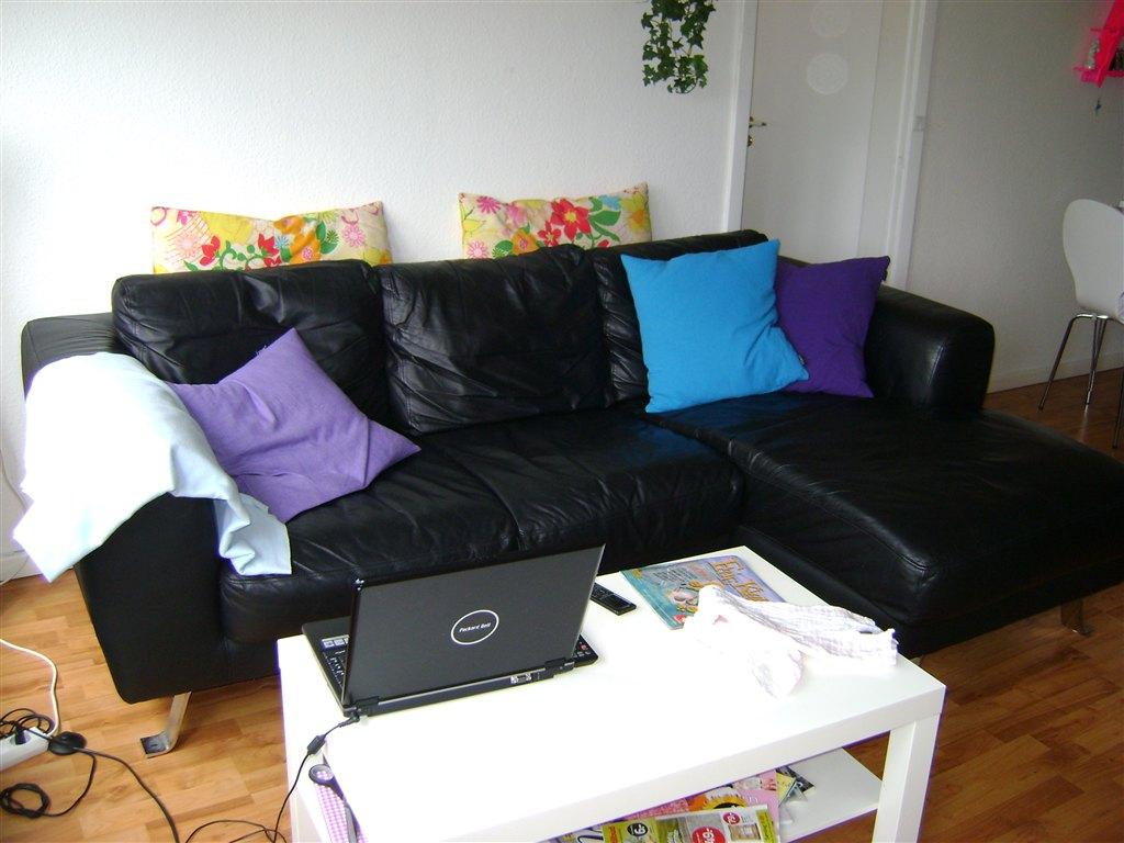 sofa billigt til salg high back two seat sort lædersofa sælges
