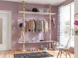 So bauen Sie eine Garderobe aus Birkenholzstämmen ...