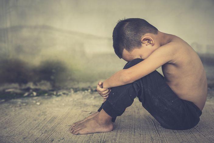 4歲男童遭干爹被迫口交 聽到垃圾車就發抖 | 星島加拿大都市網 溫哥華
