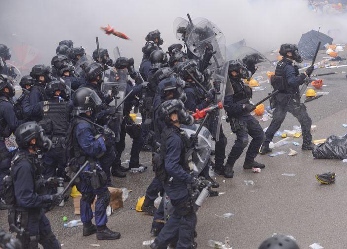 速龍小隊不展示編號 張華峰:執法時可無後顧之憂 | 政事 | 巴士的報