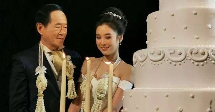 500萬禮金!70歲CEO迎娶20歲嫩妻 | Plastic | 巴士的報