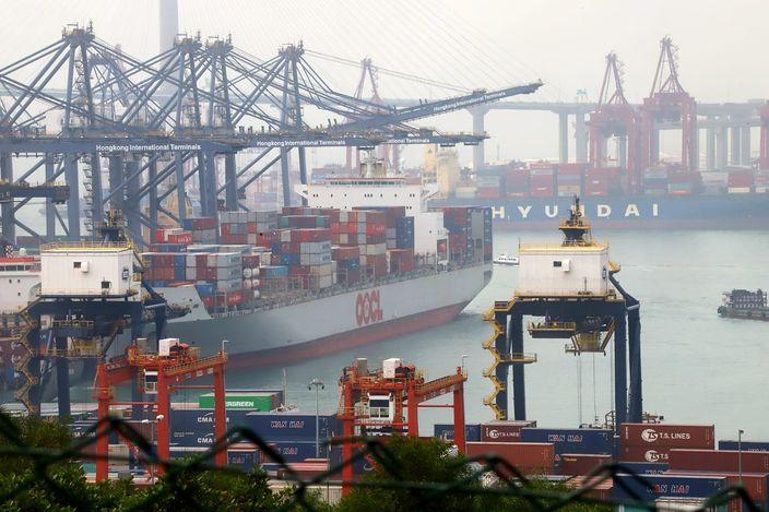 葵涌貨櫃碼頭疑有貨輪求救 大批警員到場擾攘3小時證虛驚 | 社會事 | 巴士的報