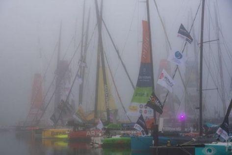 Les bateaux au départ du Vendée Globe édition 2020 dans la brume