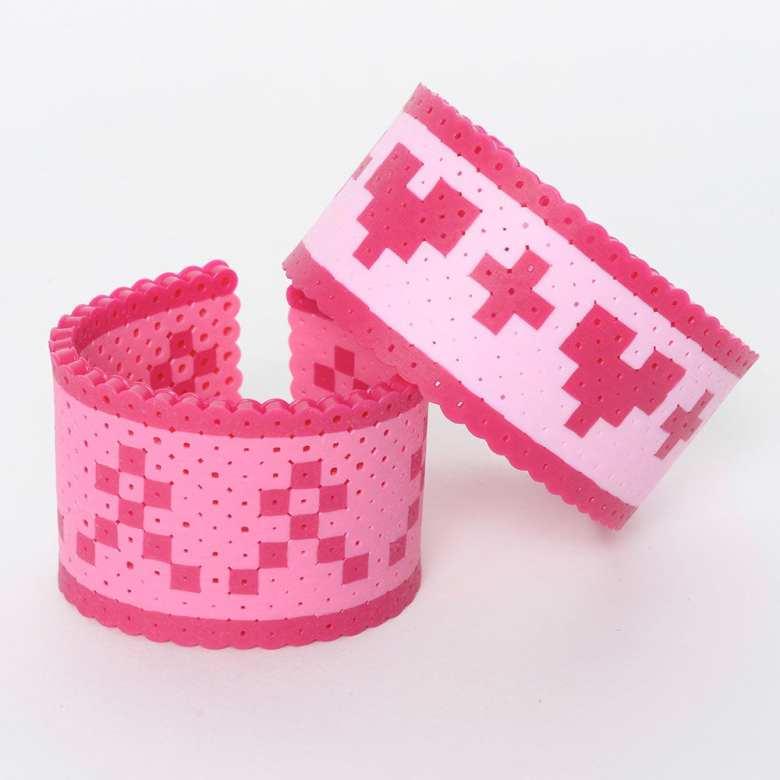 pyssel, pyssla, pysseltips, pysselidé, skapa, smycken, göra smycken, pärla, pärlor, rörpärlor, HAMA, pärlplatta, pärlplattor, mönster, pärlplattemönster, armband, hjärta, bröstcancer, rosa bandet
