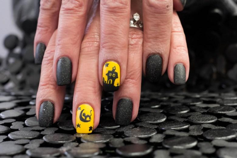 måla naglarna snyggt