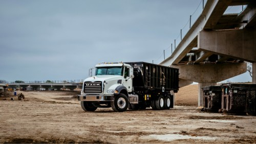 small resolution of the mack granite here in a roll off configuration as well as lr