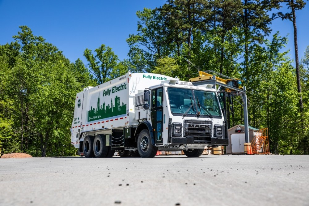 medium resolution of mack trucks unveiled today its highly anticipated mack lr battery electric vehicle bev
