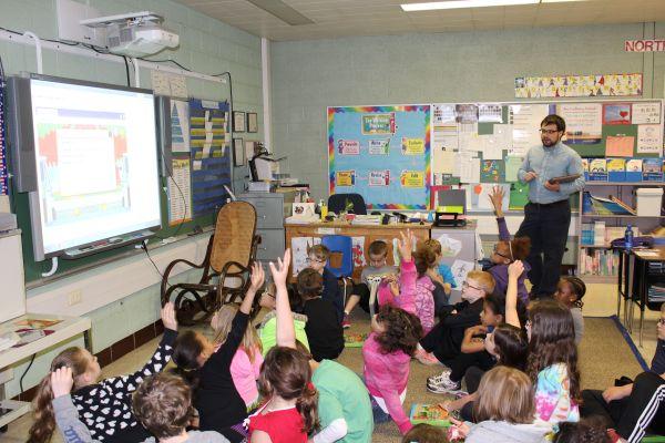 Teachers Colleges Struggle Blend Technology
