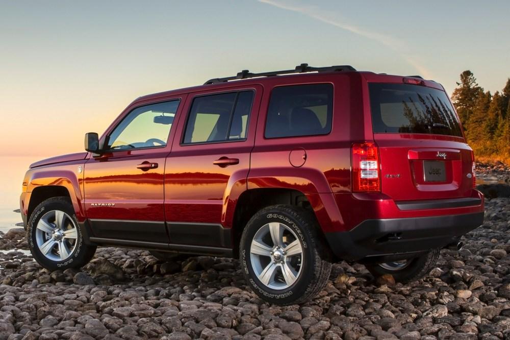 medium resolution of 2014 jeep patriot latitude 4dr suv exterior