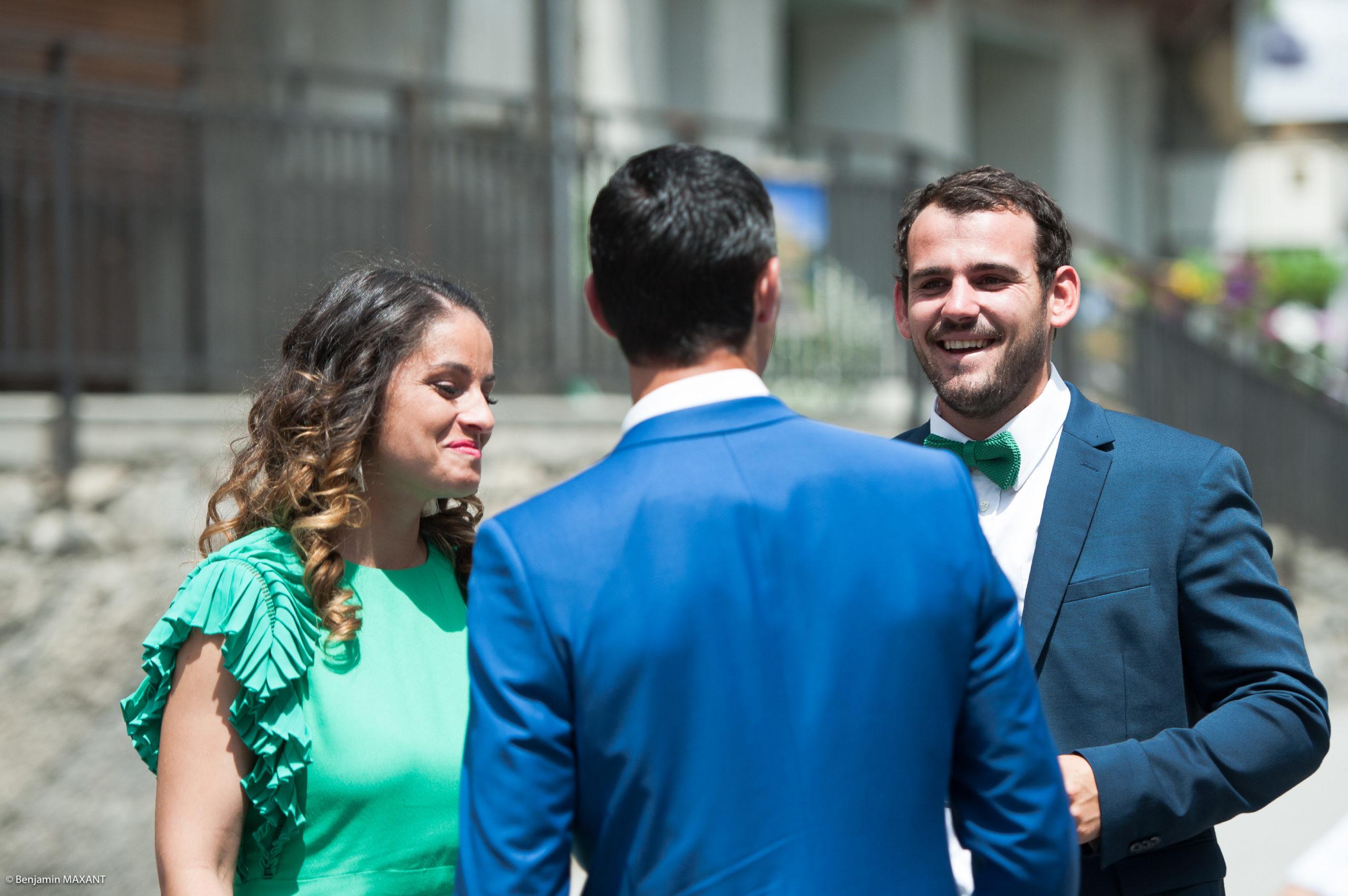 Arrivée des invitées avant la cérémonie civile