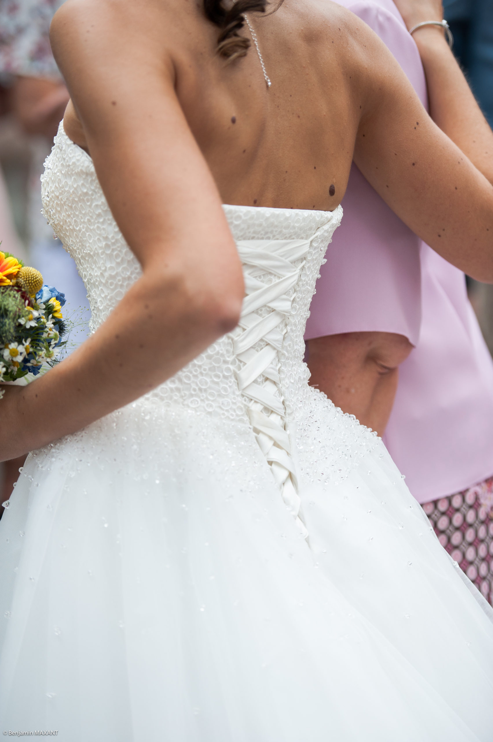 Détail de la robe de mariée de pauline