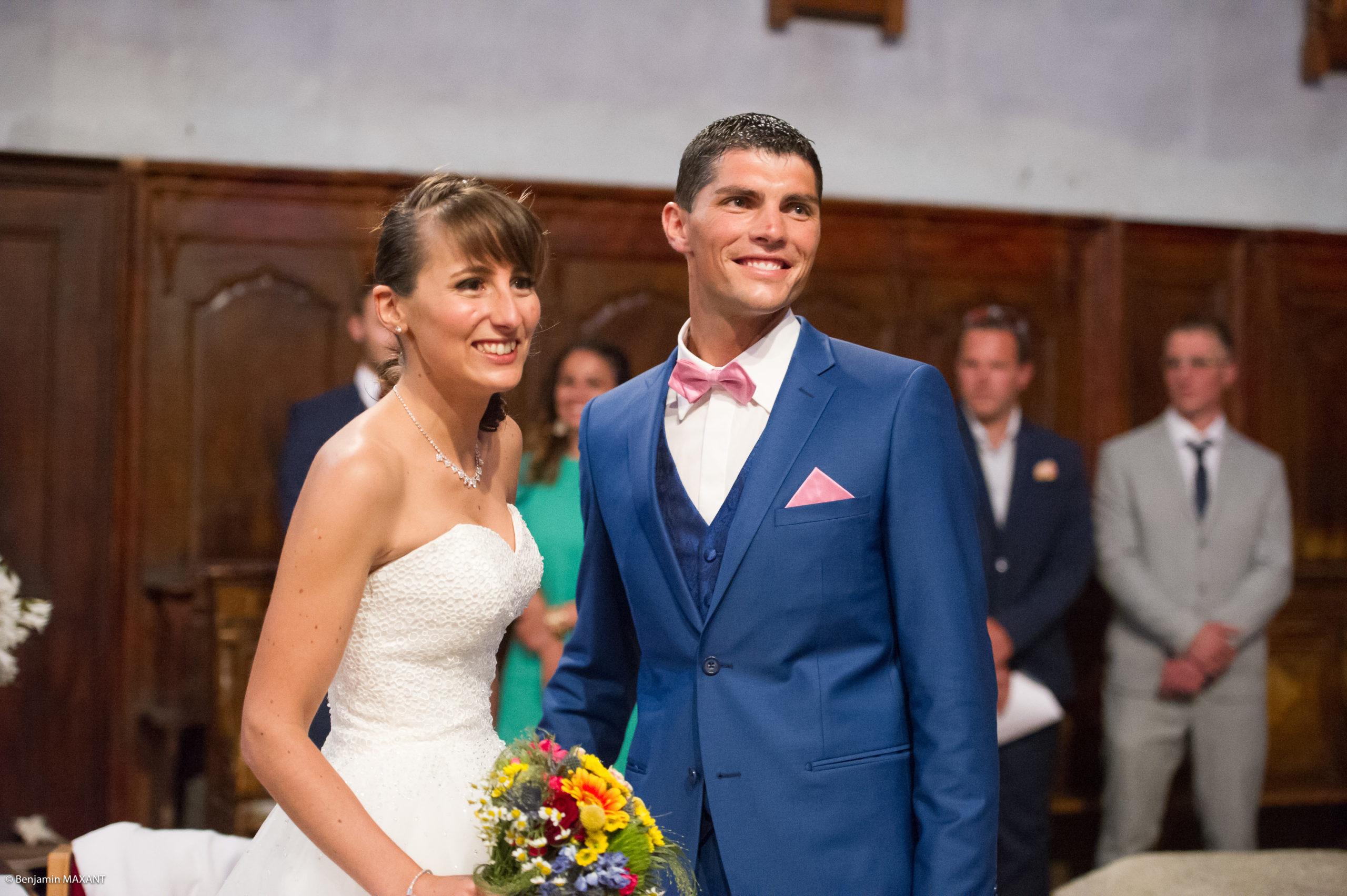 Les mariés sont réunis à l'église de Saint Véran