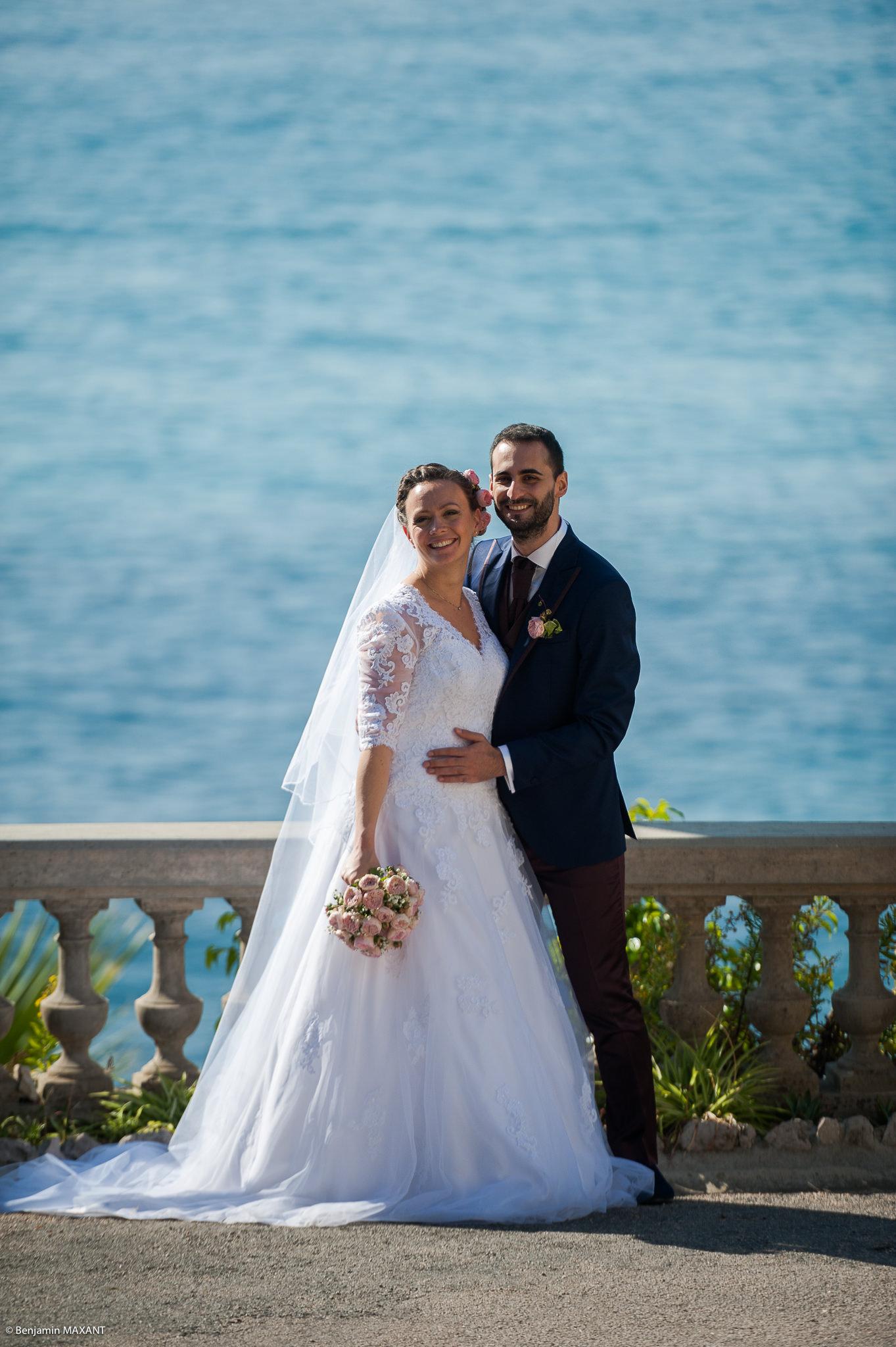 Séance photo des mariés à Menton au Jardin Maria Serena