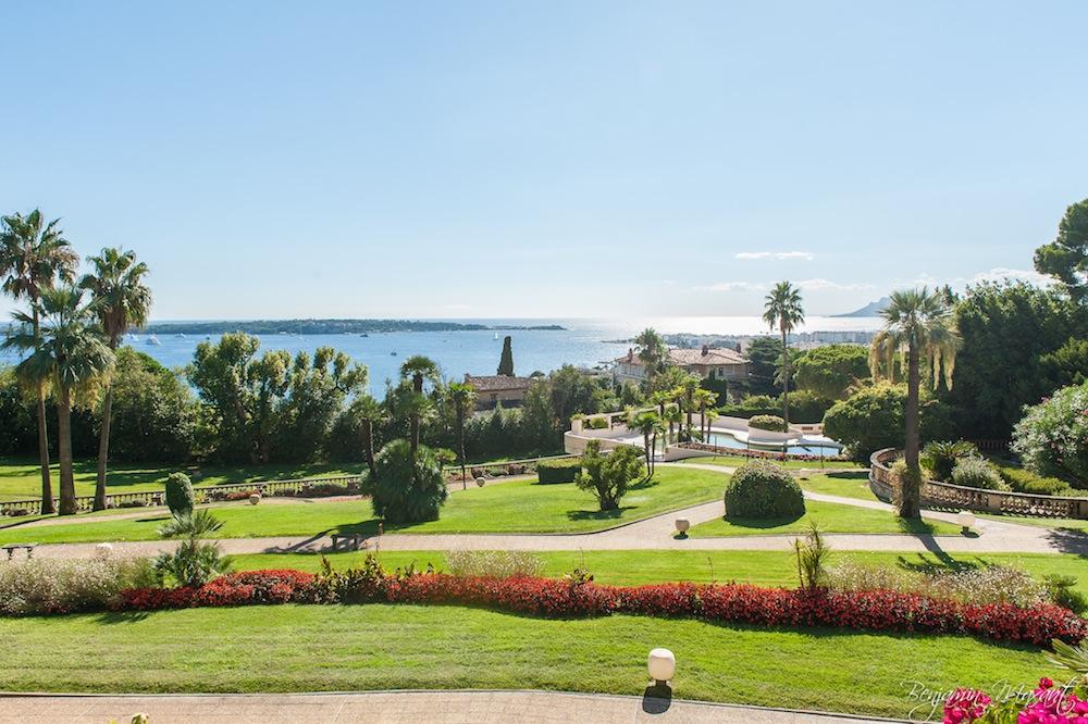 photographe immobilier - shooting photo appartement - vue sur mer d'un appartement à Cannes