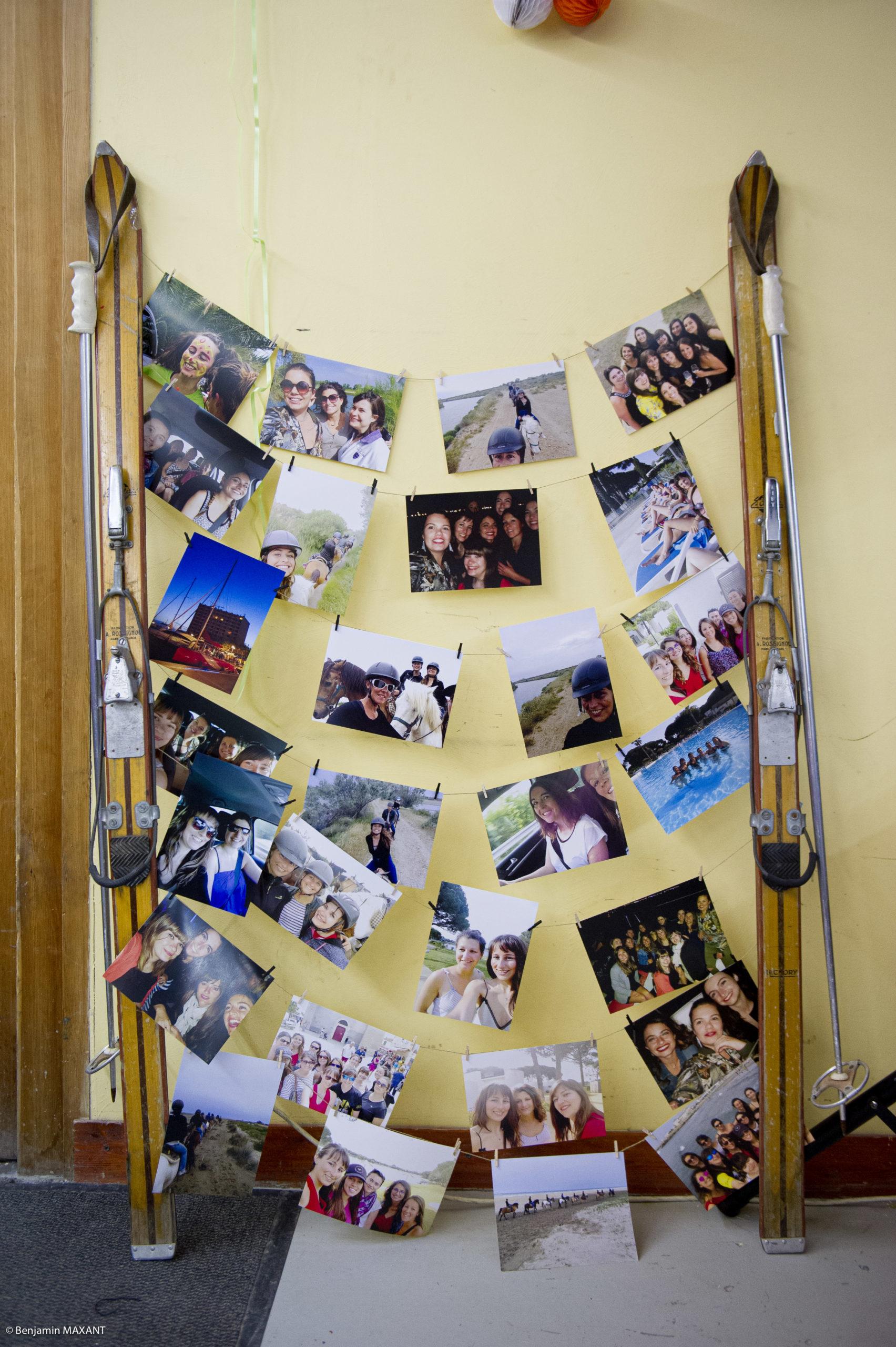 La décoration avec les photos des mariés