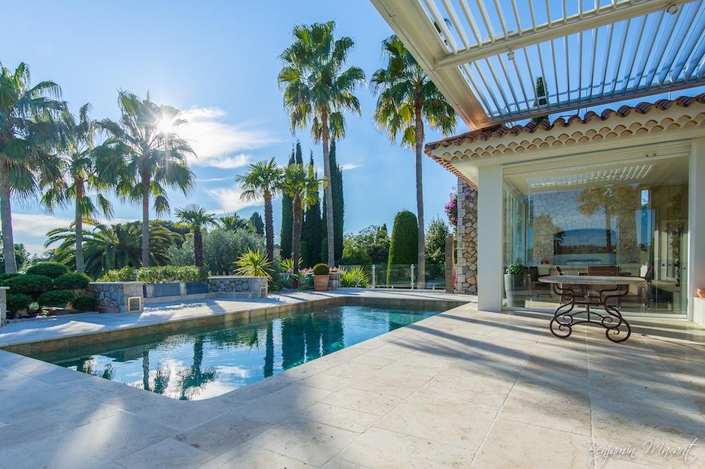 Shooting photos immobilier de villa / maison - piscine à Cannes