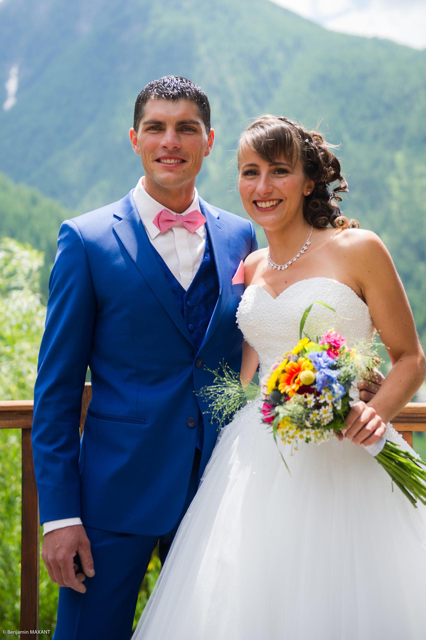 La décourte des mariés - Romain va voir Pauline pour la première fois en tenue de mariée
