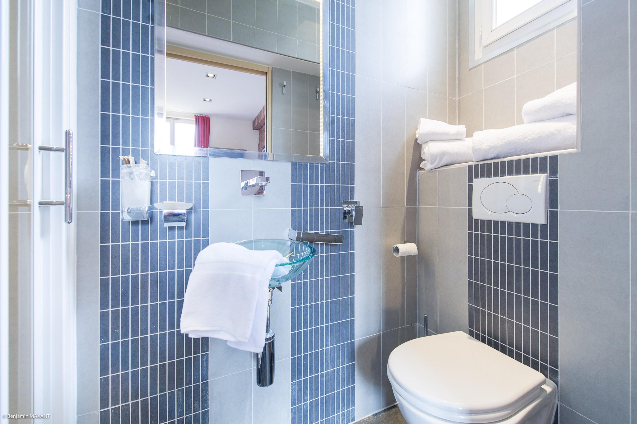 Reportage photo immobilier - Hôtel Idéal - salle de bain Out of Africa