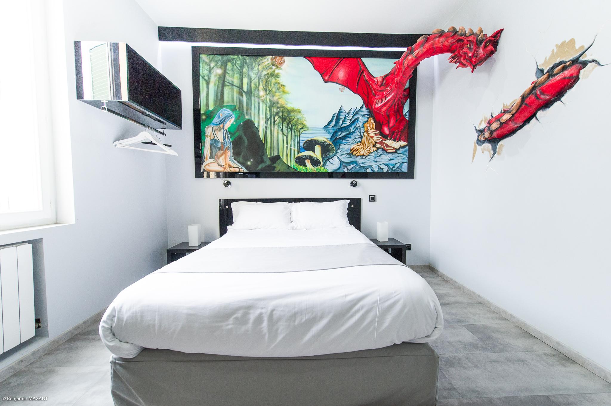 Reportage photo immobilier - Hôtel Idéal - chambre féérique avec un dragon