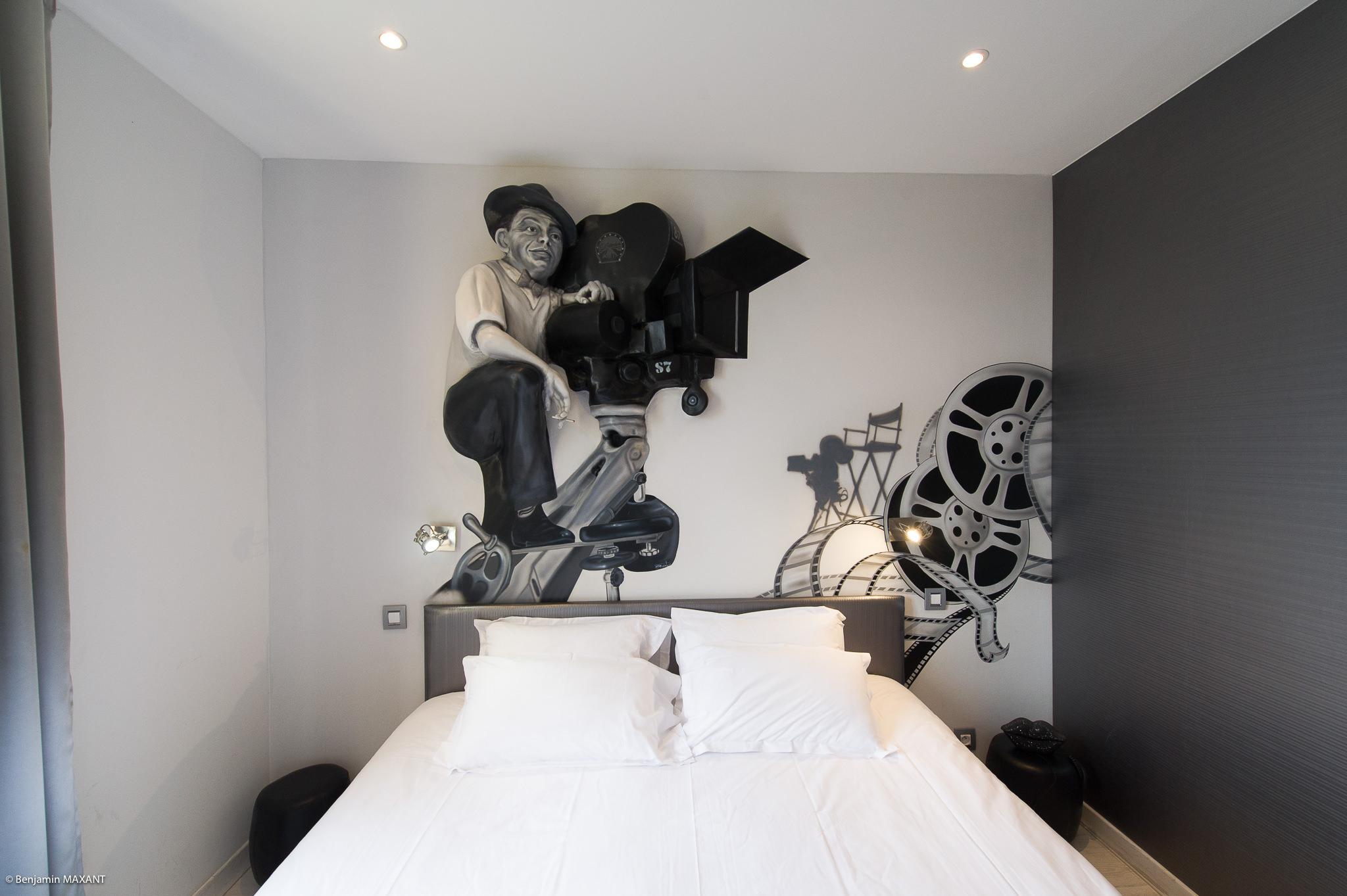 Reportage photo immobilier - Hôtel Idéal - chambre cinéma