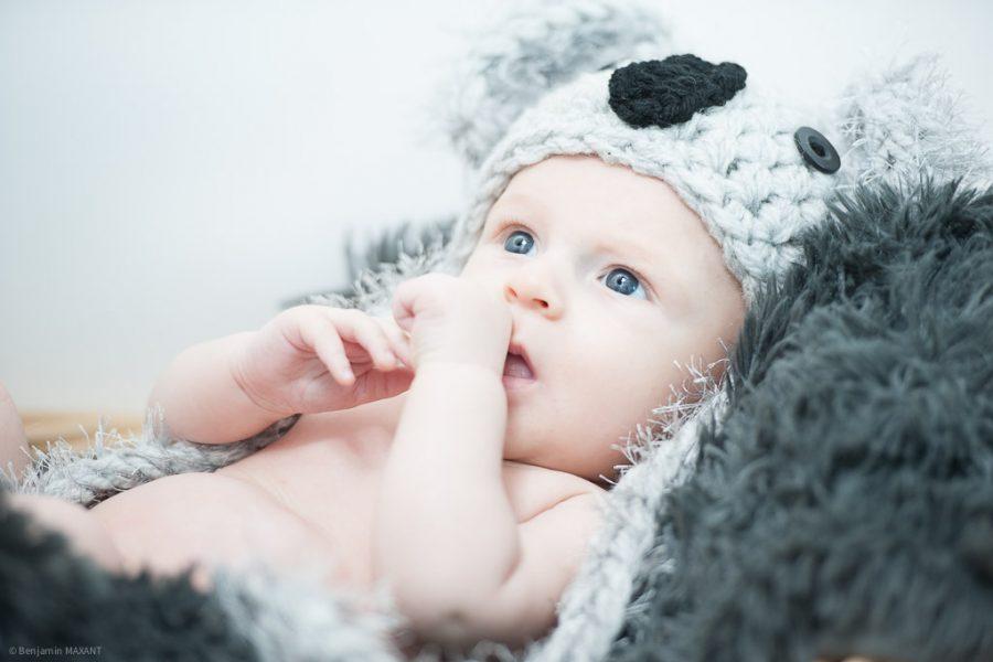 Baby photo shoot at home