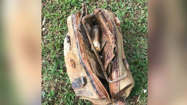 Objetos hallados en el lago tras 25 años | April Bolt