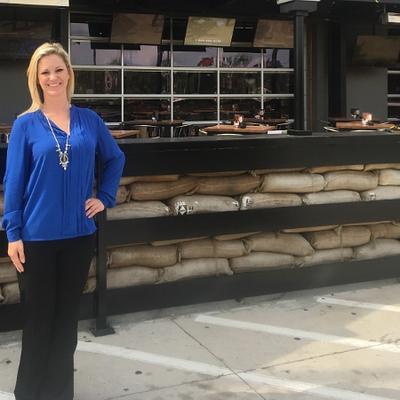 RCI Hospitalitys Bombshells Restaurant  Bar hires Twin