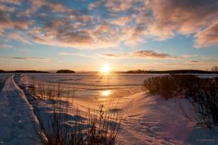 Solens högsta punkt på årets kortaste dag