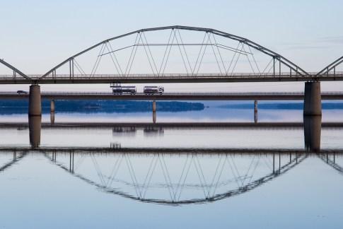 Manlig bro (byggnad)