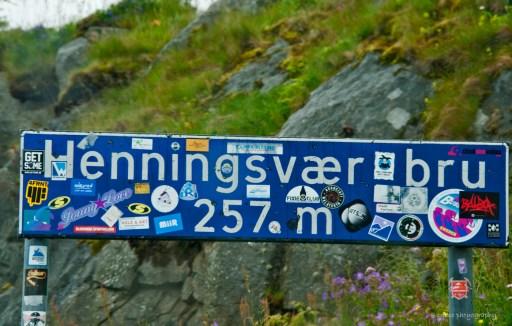 ...i Henningsvaer på Lofoten. Välkomnande skylt!