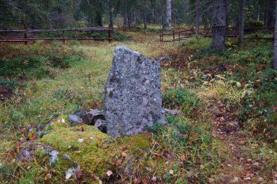 MInnesstenen vid Hanhinvittikko fädbod - av Ewa