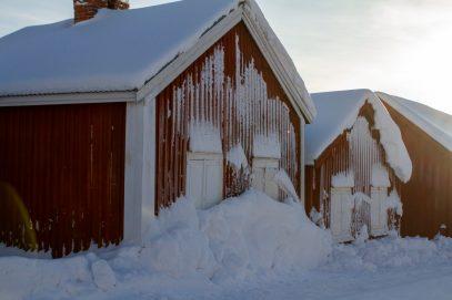Kyrkstugor i vinterskrud - av Eva