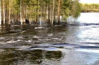 Vårflod i Råneälven vis Orrbyn - Ewa
