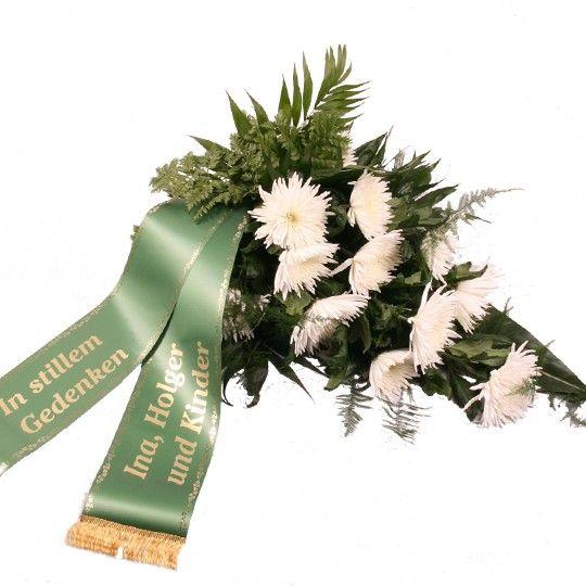 Trauerstrau Stille Trauer mit Trauerschleife  Blumen