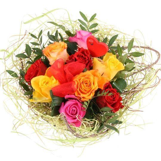 Blumenstrauss RosenEnsemble online verschicken mit www