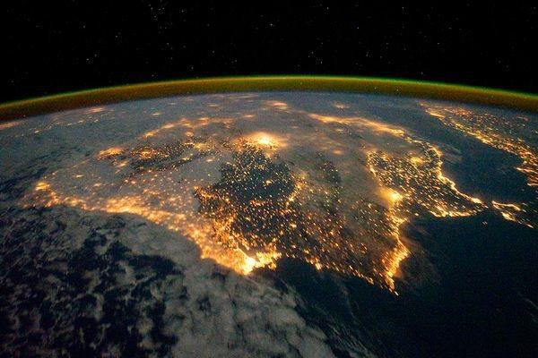 Wpf Media-Live Photos 000 463 Cache Space176-Iberian-Peninsula-At-Night 46324 600X450