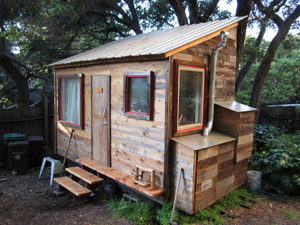 Tiny house in Oakland built for 5k Boing Boing