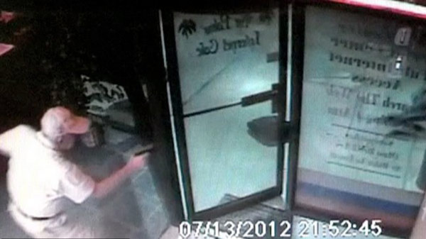 Elderly Man Shoots Robbers At Internet Cafe In Florida