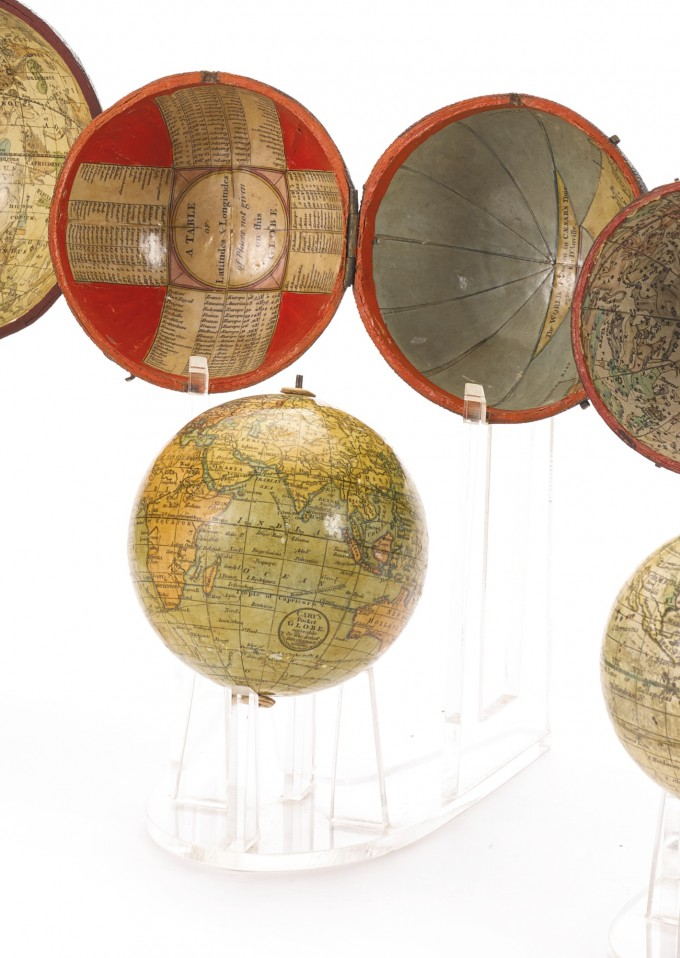 sothebys-pocket-globe-2