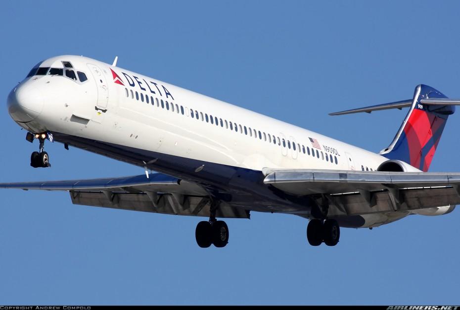 "via @flightradar: ""24N909DL is a 27 year old McDonnell Douglas MD-88 (MSN 49540)."""
