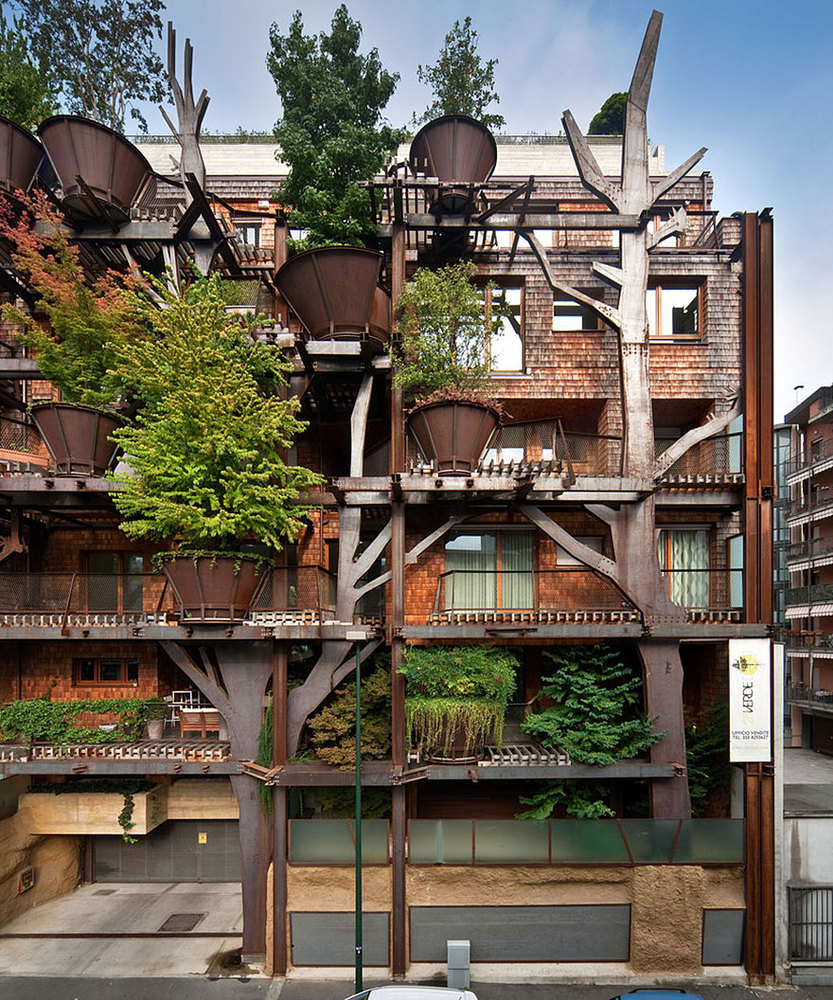 Photos of beautiful treehouse apartments in Italy