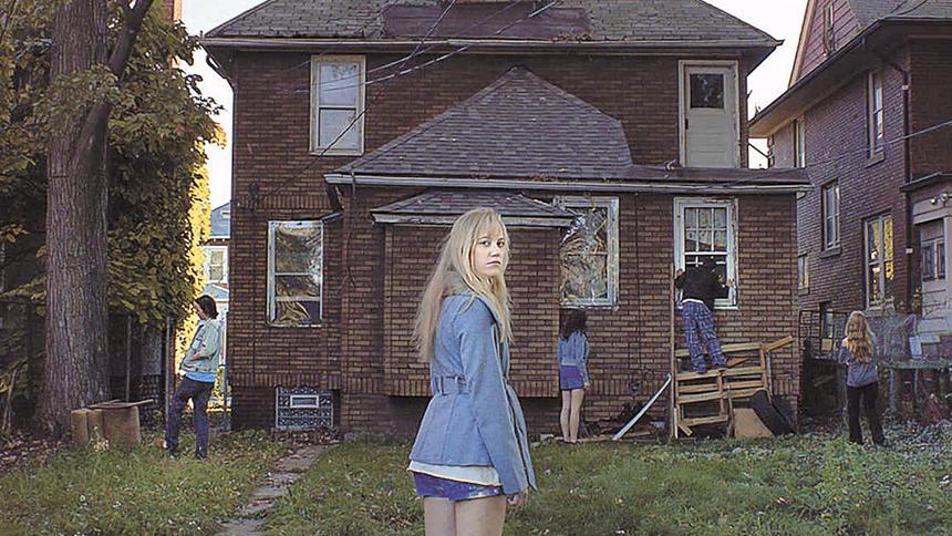 u0026quot it follows u0026quot  is one of my fave horror movies  rent it in