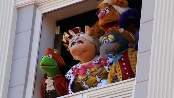 muppets-at-window