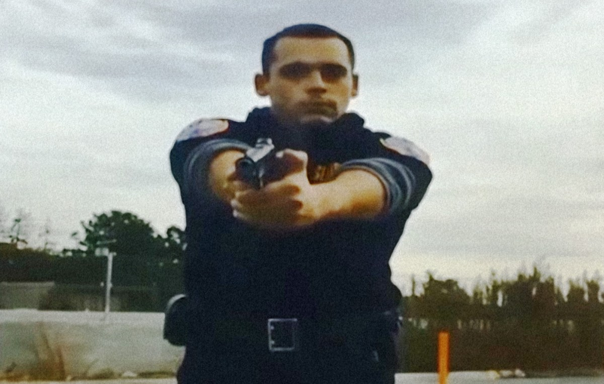 Video Mall Cop Pulls Gun On Driver Who Knocked Over