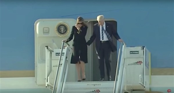 Melania rejects Trump's hand once again with new maneuver