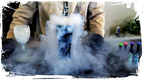 Will food coloring dye liquid nitrogen?