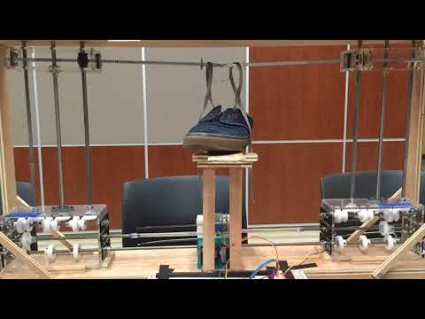 Robot that ties shoes